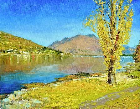 Wakatipu Poplar in Autumn by Dai Wynn