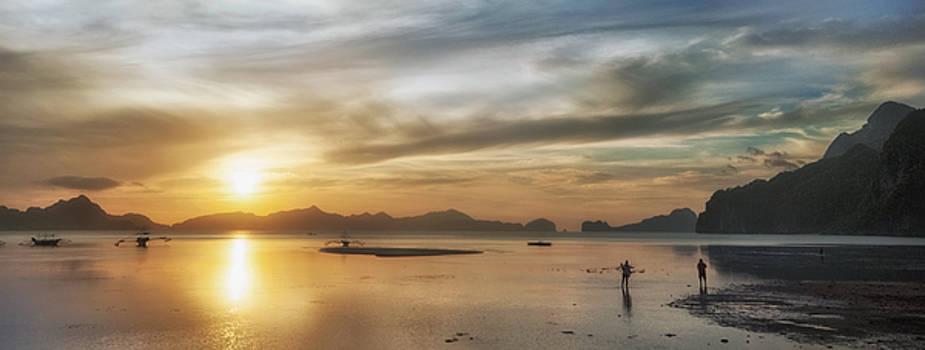Walking in the Sun by John Swartz