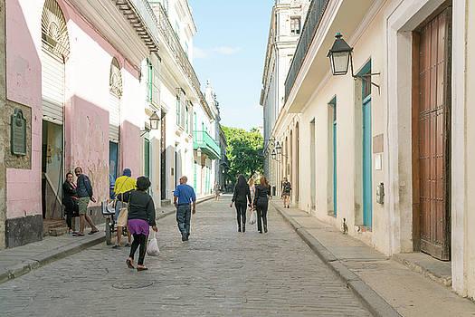 Sharon Popek - Walking to Work Havana