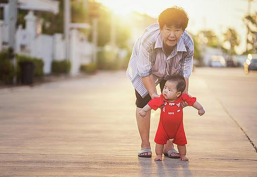 Walking training by Anek Suwannaphoom