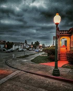 Warm corner on future avenue by Philip Hennen