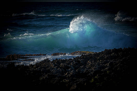 Warm Pacific Seas on top of lava by LiveforBlu Gallery