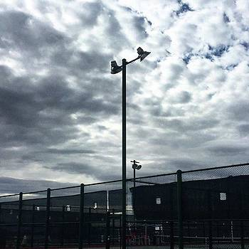 Warmup! #vegas #westgate #courts by Heidi Lyons