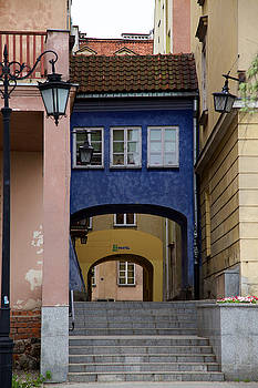Warsaw Old Town Alley by Fedil