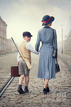 Wartime Mother And Son by Lee Avison