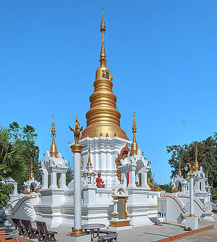Wat Kumpa Pradit Phra That Praditvee Sri Lanna Chedi DTHCM1671 by Gerry Gantt