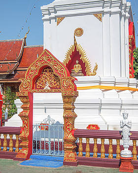 Wat Pa Koi Tai Phra That Chedi Gate and Buddha Niche DTHCM1474 by Gerry Gantt