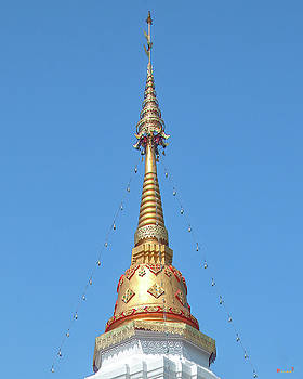 Wat Pa Koi Tai Phra That Chedi Pinnacle DTHCM1472 by Gerry Gantt