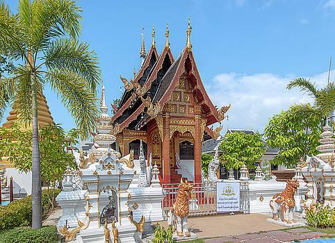 Wat San Pu Loei Phra Ubosot DTHCM2281 by Gerry Gantt