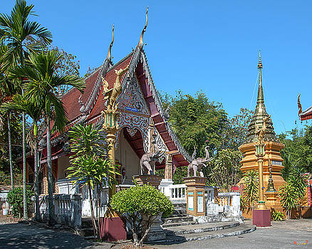 Wat Sara Chatthan Phra Ubosot and Phra That Chedi DTHCM1721 by Gerry Gantt