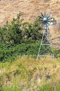 Water Aerating Windmill for Ponds and Lakes by David Gn