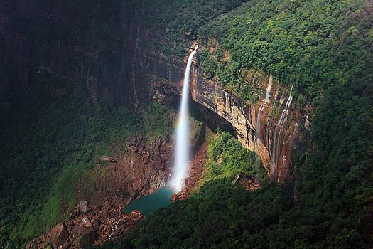 Mahesh Balasubramanian - Water Falls at cherrapunji, India