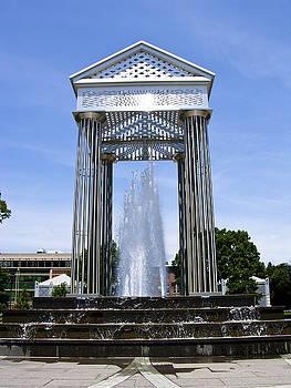 Water Fountain by Bessie Reyes