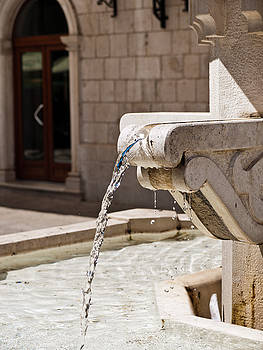 Water Fountain by Rae Tucker