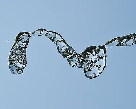 Water in Flight  II by Gareth Davies