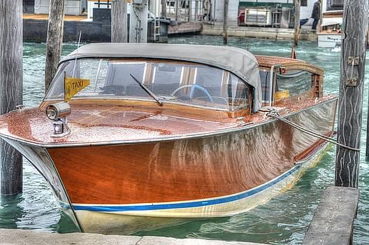 Water Taxi Italy by Bill Hamilton