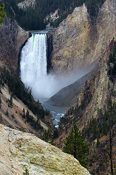 Waterfall with river in The Grand Canyon of the Yellowstone in Wyoming, USA by Ronald Jansen