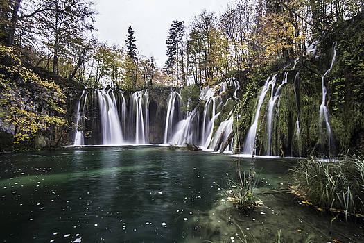 Waterfalls in Croatia by Sven Brogren