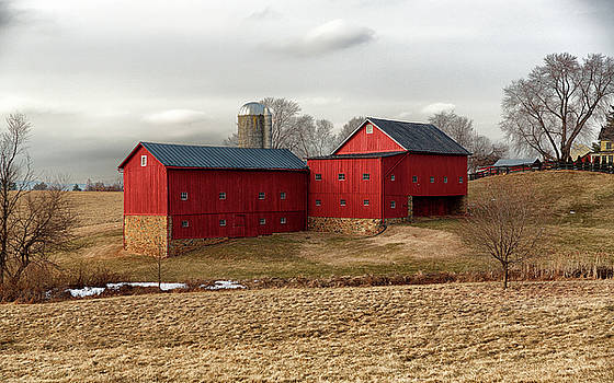 Waterford Bank Barn by Scott Fracasso