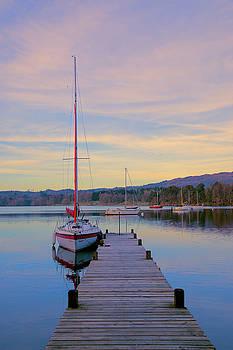 Waterhead jetty by Susan Tinsley