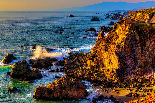 Wave Breaking Sonoma Coast by Garry Gay