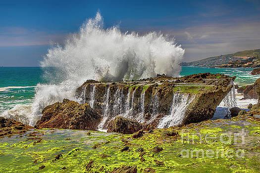Wave Explosion by Mariola Bitner
