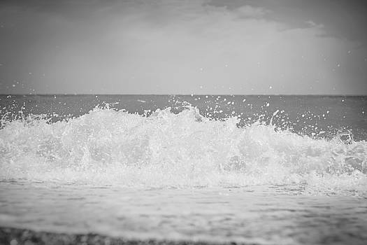 Waves 35 by Violet Gray