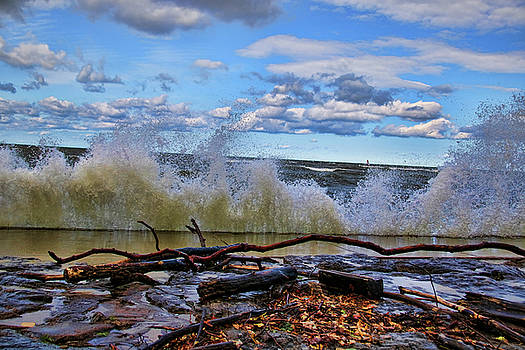 Waves and wind on a fall day by Gerald Salamone