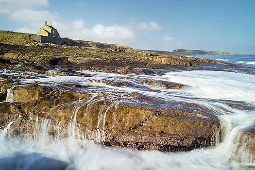 Waves at Howick by David Taylor