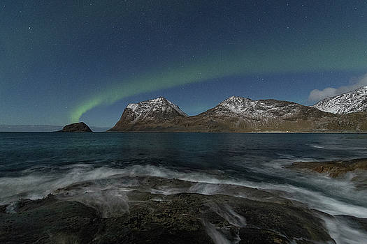 Waves at night by Frank Olsen
