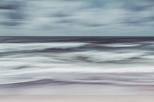 Waves by Holger Nimtz