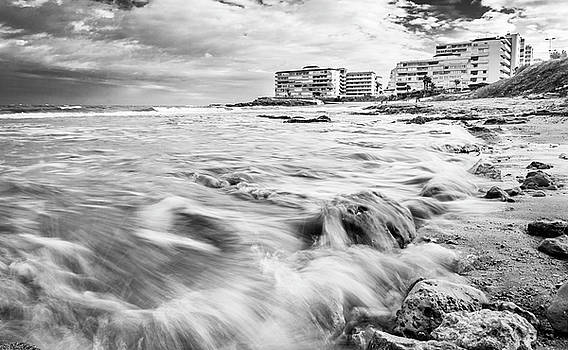 Waves On The Beach by Gary Gillette