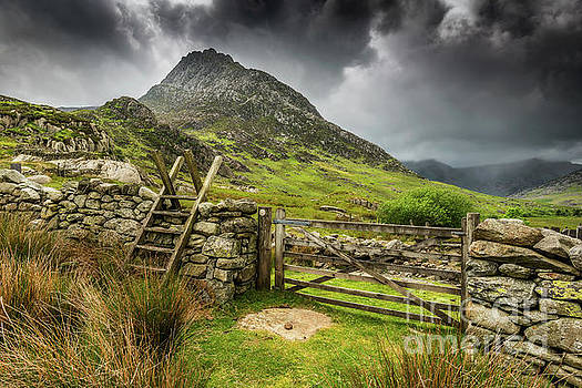 Way To Tryfan Mountain by Adrian Evans