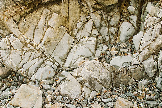 Weathered Rock Face Owlshead Photo by Peter J Sucy