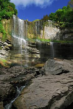 Reimar Gaertner - Websters Falls Niagara escarpment from the Spencer Gorge