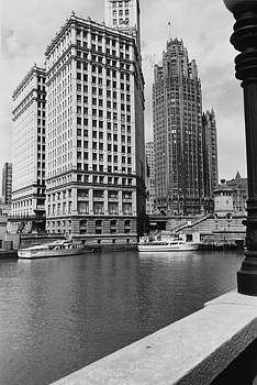 Chicago and North Western Historical Society - Wendella Dock on Michigan Avenue - 1962