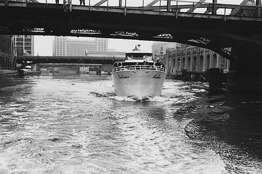Chicago and North Western Historical Society - Wendella Sunliner Passes Under Bridge in Chicago