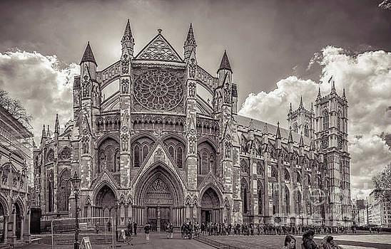 Mariusz Talarek - Westminster Abbey panorama monochrome