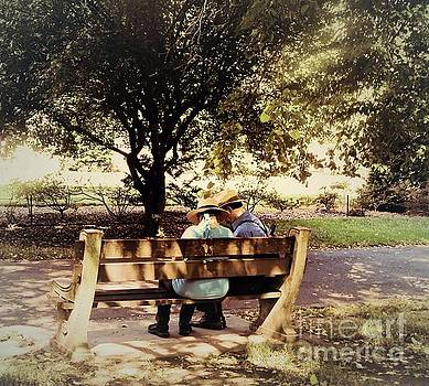 Onedayoneimage Photography - Whispers on the Bench