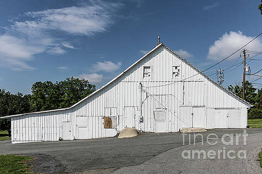White Barn by Thomas Marchessault