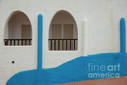 Heiko Koehrer-Wagner - White-Blue Andalusian Style