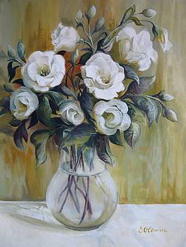 White flowers by Elena Oleniuc