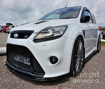 White Focus RS by Vicki Spindler