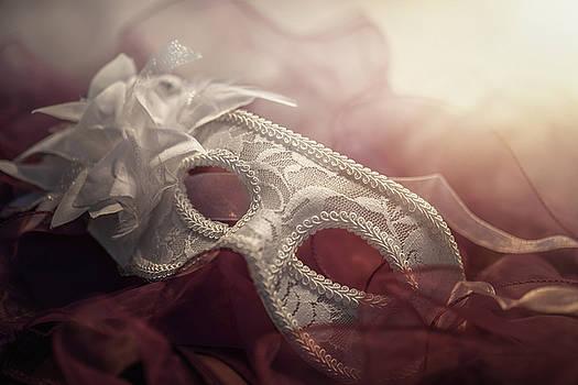 White mask by Cindy Grundsten