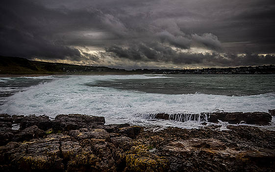 White seas by Alex Leonard