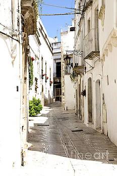 White Street by Leonardo Fanini