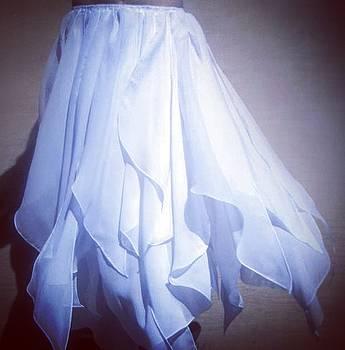 Sofia Metal Queen - White swan chiffon petal skirt. Ameynra fashion