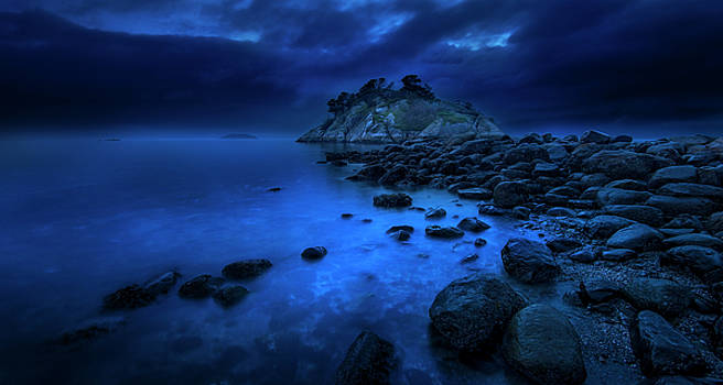 Whytecliff Dusk by John Poon