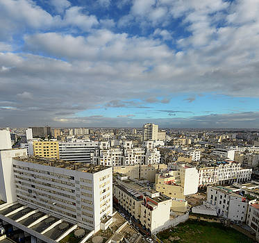 Reimar Gaertner - Wide angle view looking down on the white Casablanca cityscape