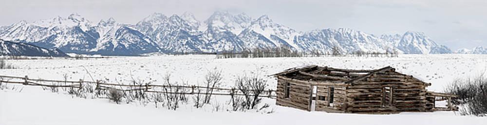 Reimar Gaertner - Wide Panorama of the Teton Range mountains in Wyoming with colla
